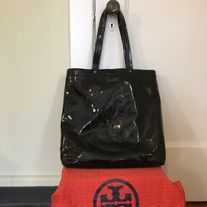 Tory Burch Black Patent Leather Embossed Logo Tote